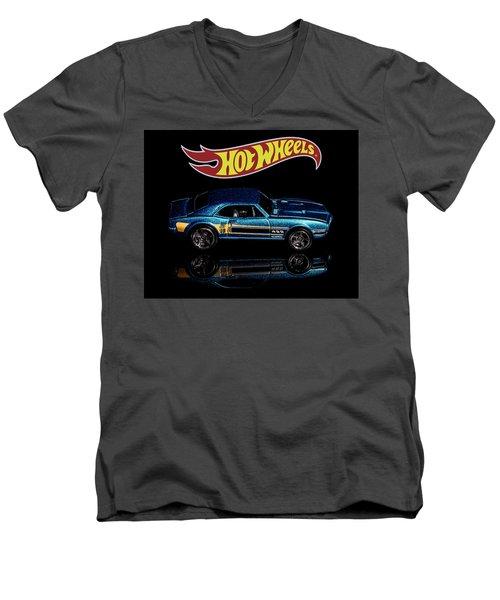 Hot Wheels '67 Pontiac Firebird 400-1 Men's V-Neck T-Shirt