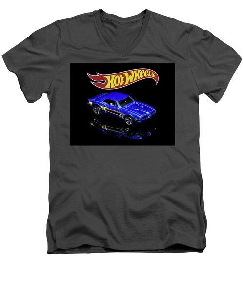 Hot Wheels '67 Pontiac Firebird 400-2 Men's V-Neck T-Shirt
