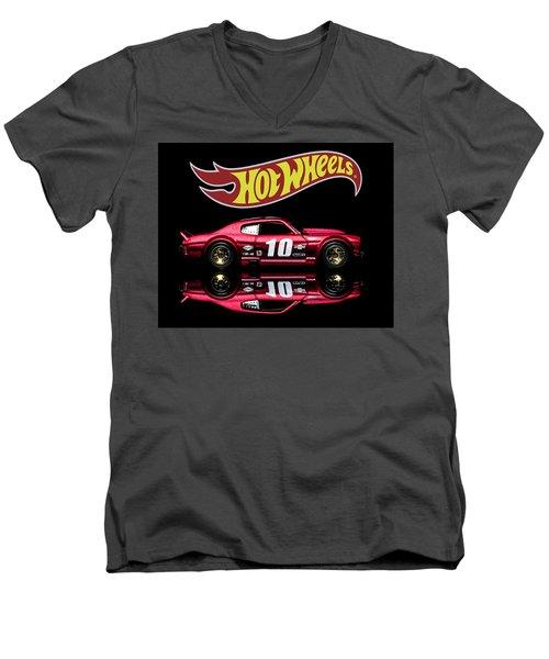 Hot Wheels '70 Chevy Chevelle-1 Men's V-Neck T-Shirt