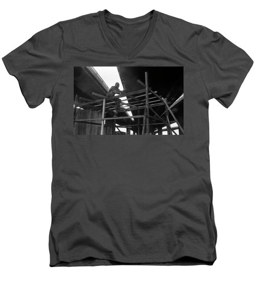 Wooden House Construction Men's V-Neck T-Shirt