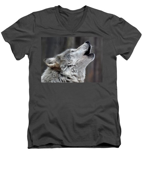 Howl Men's V-Neck T-Shirt