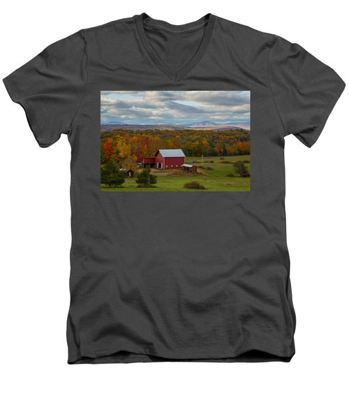 Hudson Valley Ny Fall Colors Men's V-Neck T-Shirt