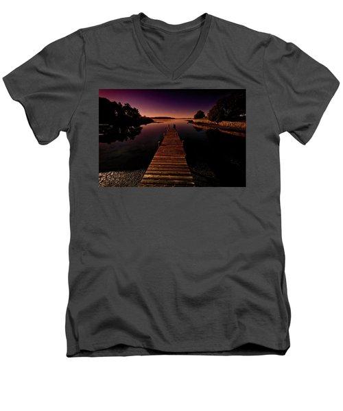 Hukodden Men's V-Neck T-Shirt