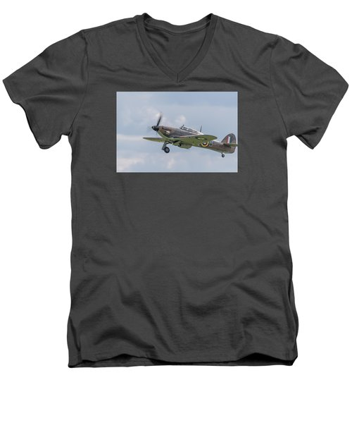 Hurricane Taking Off Men's V-Neck T-Shirt
