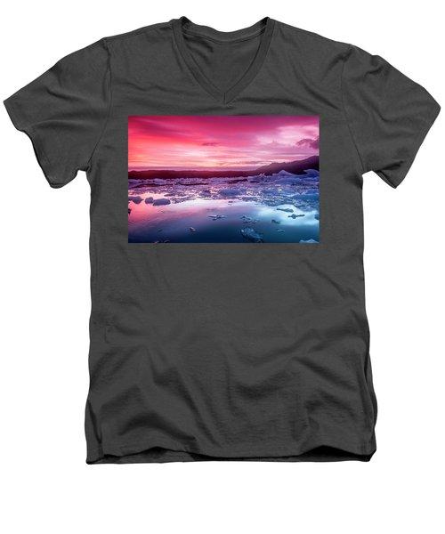 Icebergs In Jokulsarlon Glacial Lagoon Men's V-Neck T-Shirt