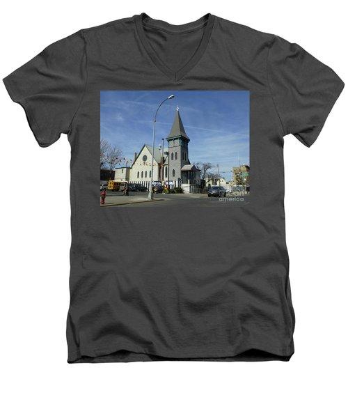 Iglesia Metodista Unida Church Men's V-Neck T-Shirt