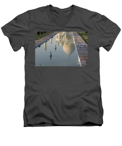 In Water Men's V-Neck T-Shirt