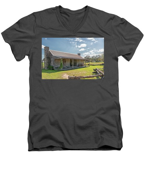 Independence Texas Cabin Men's V-Neck T-Shirt