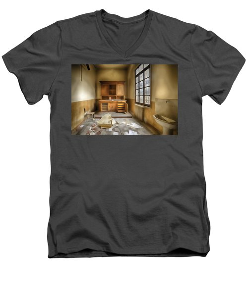 Interior Furniture Atmosphere Of Abandoned Places Dig Paint Men's V-Neck T-Shirt