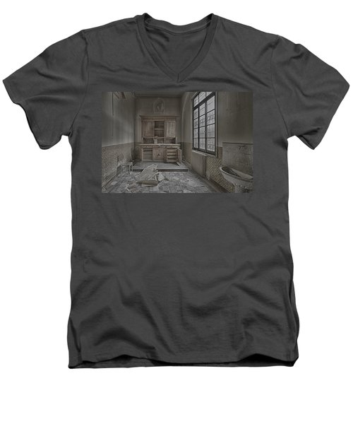 Interior Furniture Atmosphere Of Abandoned Places Dig Photo Men's V-Neck T-Shirt