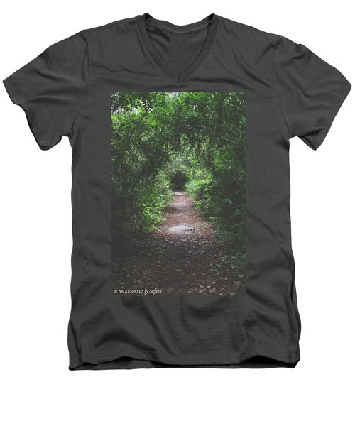 Into The Wormhole Men's V-Neck T-Shirt