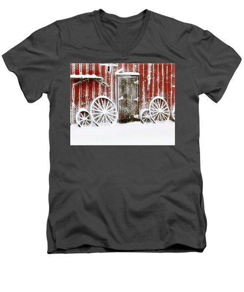 Iowa Blizzard Men's V-Neck T-Shirt