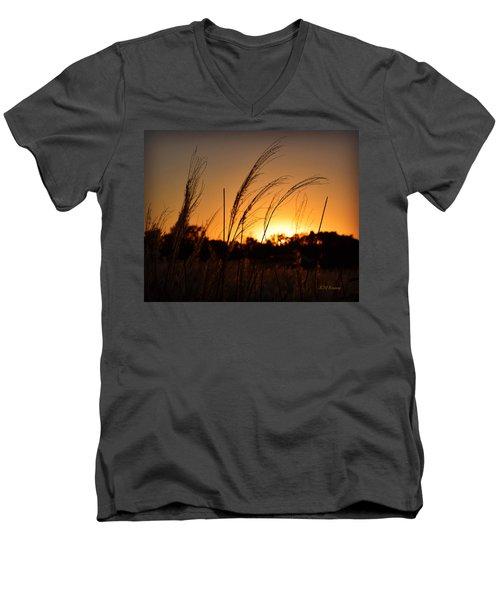 Iowa Prairie Sunset Men's V-Neck T-Shirt