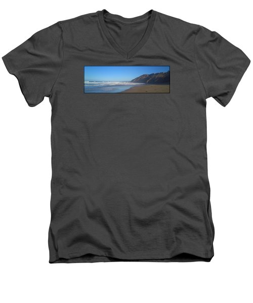 Irish Beach With Border Men's V-Neck T-Shirt