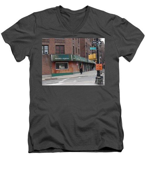 Irish Eyes Men's V-Neck T-Shirt
