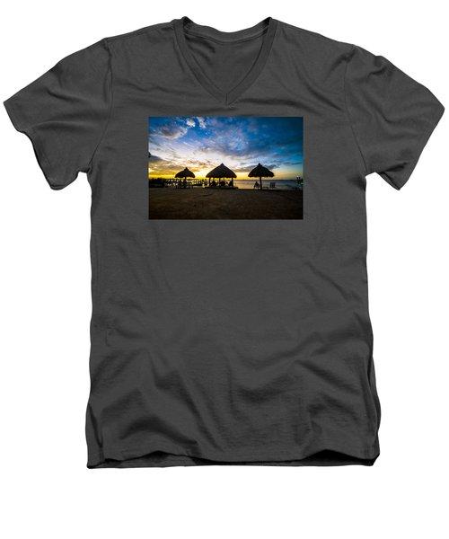 Island Huts Sunset Men's V-Neck T-Shirt