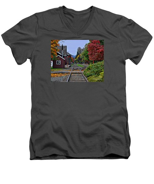 Issaquah Train Station Men's V-Neck T-Shirt