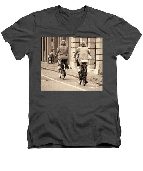 Italian Lifestyle Men's V-Neck T-Shirt