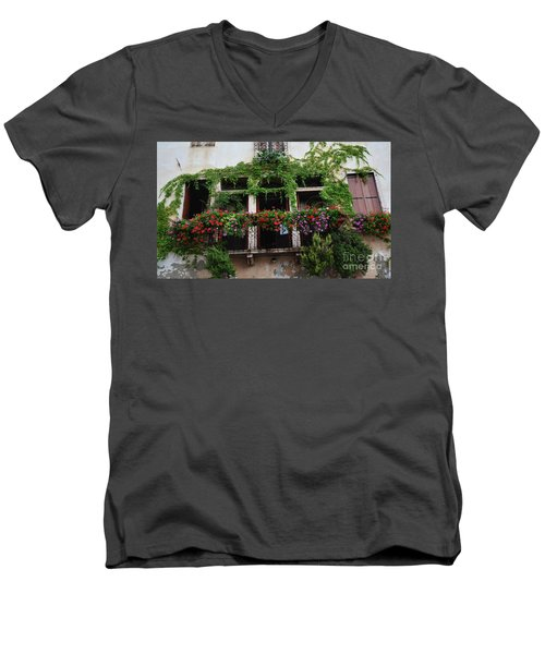 Italy Veneto Marostica Main Square Men's V-Neck T-Shirt