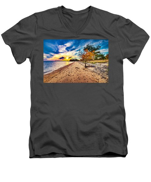 James River Sunset Men's V-Neck T-Shirt