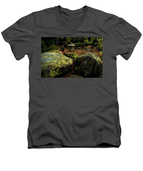Japanese Garden Lantern Men's V-Neck T-Shirt