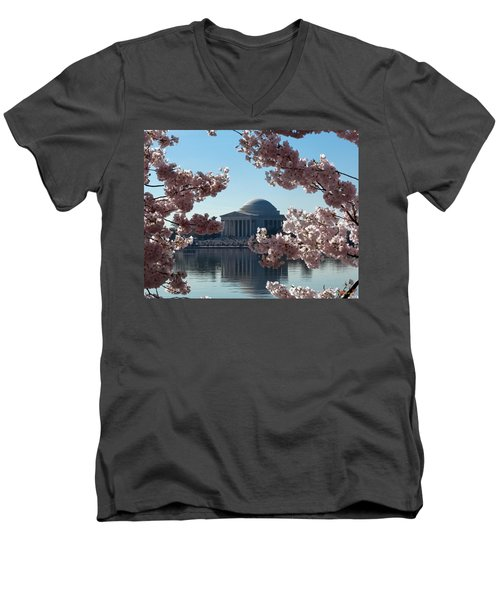 Jefferson Memorial At Cherry Blossom Time On The Tidal Basin Ds008 Men's V-Neck T-Shirt