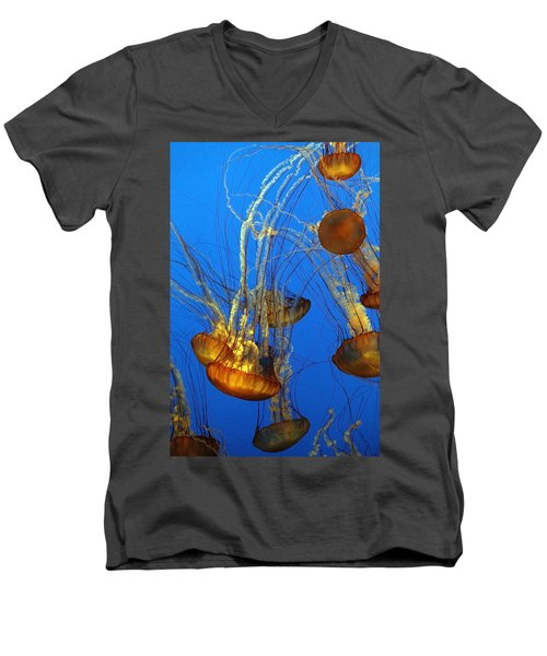 Jellyfish Family Men's V-Neck T-Shirt