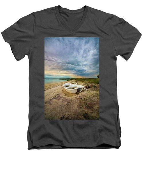 Jetty Four Dinghy Men's V-Neck T-Shirt