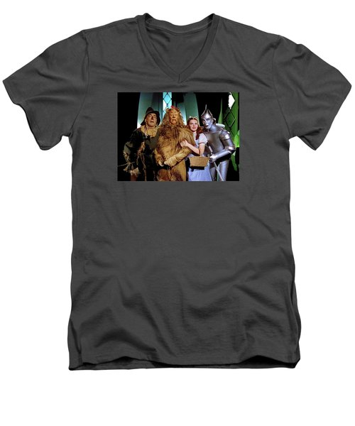 Judy Garland And Pals The Wizard Of Oz 1939-2016 Men's V-Neck T-Shirt by David Lee Guss