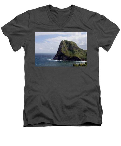 Kahakuloa Head Men's V-Neck T-Shirt