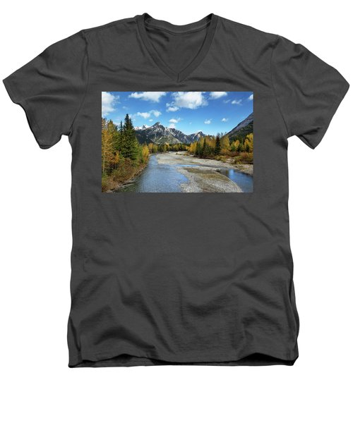 Kananaskis River In Fall Men's V-Neck T-Shirt