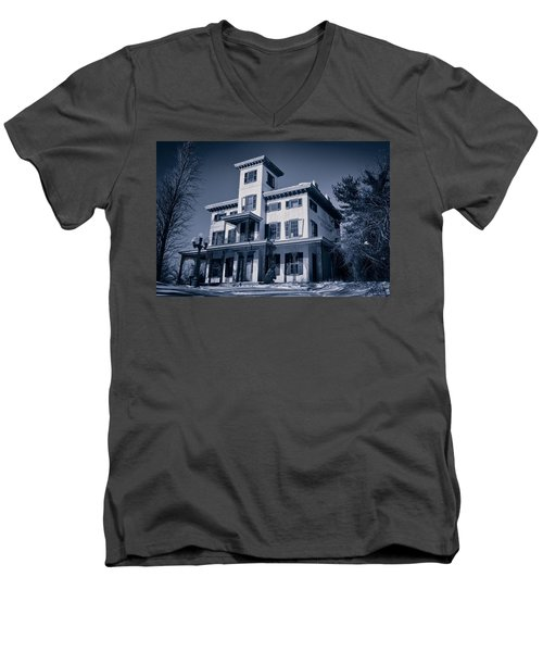 Kennedy-supplee Mansion Men's V-Neck T-Shirt