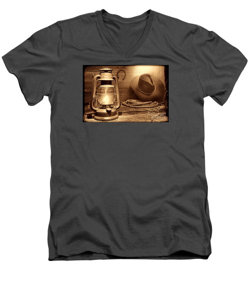 Kerosene Lantern Men's V-Neck T-Shirt