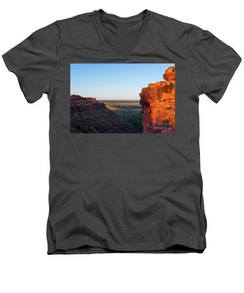 Kings Canyon Men's V-Neck T-Shirt