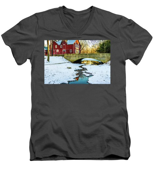 Kirby's Mill Landscape - Creek Men's V-Neck T-Shirt