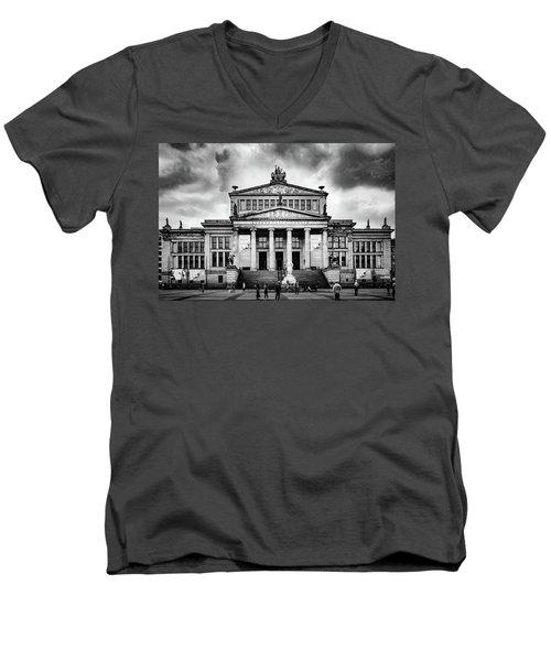 Konzerthaus Berlin Men's V-Neck T-Shirt