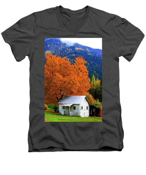 Kootenay Autumn Shed Men's V-Neck T-Shirt