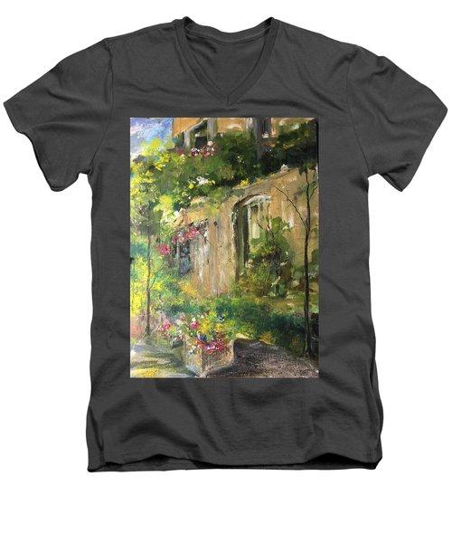 La Maison Est O Le Coeur Est Home Is Where The Heart I Men's V-Neck T-Shirt