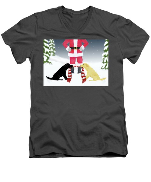 Labs Tug Santa Scarf Men's V-Neck T-Shirt