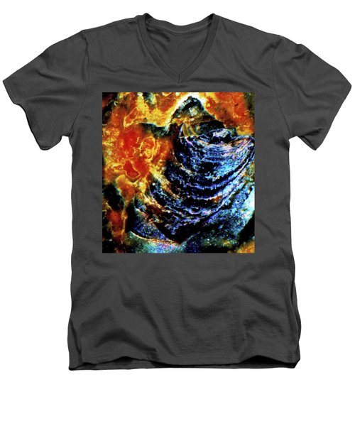 Lady Of The Shell Men's V-Neck T-Shirt