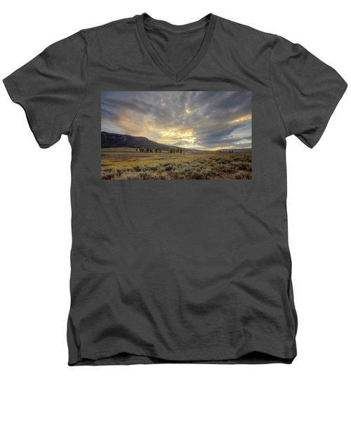 Lamar Valley Sunset Men's V-Neck T-Shirt
