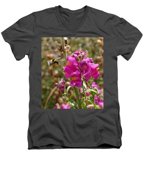 Landing Bumblebee Men's V-Neck T-Shirt