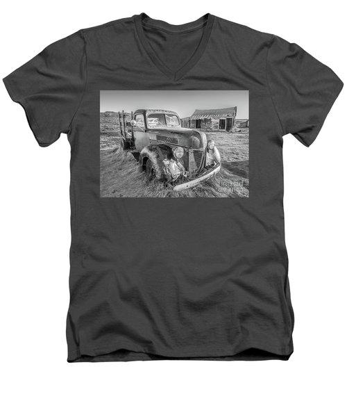 Last Load  Men's V-Neck T-Shirt