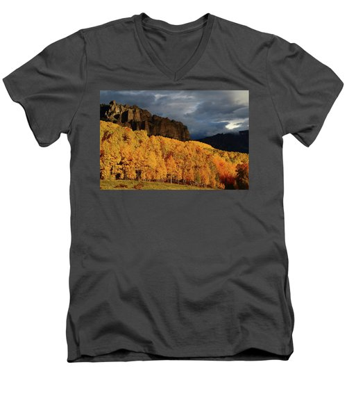 Late Afternoon Light On The Cliffs Near Silver Jack Reservoir In Autumn Men's V-Neck T-Shirt by Jetson Nguyen