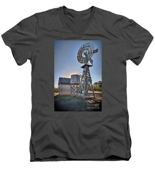 Lbj Homestead Windmill Men's V-Neck T-Shirt