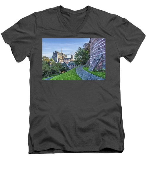 Leiden, The Church And The Castle Men's V-Neck T-Shirt