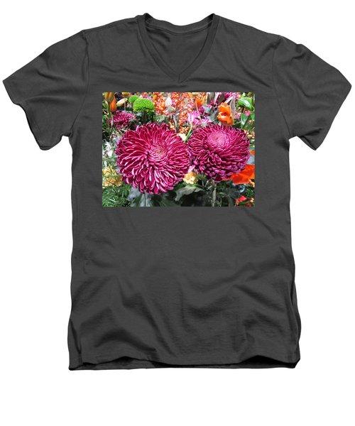 Lens Love Men's V-Neck T-Shirt