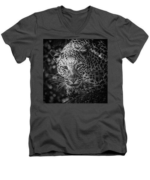 Leopard, Black And White Men's V-Neck T-Shirt