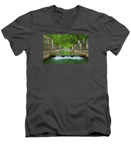 Les Quais De La Fontaine Men's V-Neck T-Shirt