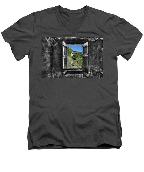 Let's Open The Windows - Apriamo Le Finestre Men's V-Neck T-Shirt